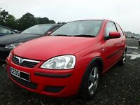 Vauxhall Corsa C Red Y547 Z10XEP breaking for spares.