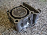 yzf r125 piston & barrel ( mint condition)