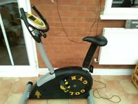 Exercise bike Gold's gym