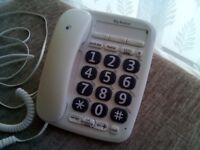 PERFECT WORKING ORDER, LARGE BUTTON BT TELEPHONE,AS NEW,HARDLY USED