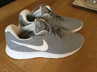 Women's grey Nike roshe trainers size 6