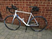 Giant defy 1 road bike with Garmin Edge 20, specialized shoes, shimano pedals and many more extras