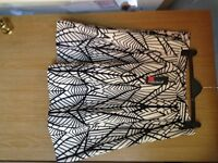 Principles by Ben de Lisi, Leaf print skirt, BLack and white, Size 18