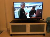 Toshiba 3D 46 inch TV with Tv Unit (Excellent Condition) No scratches. No faults!