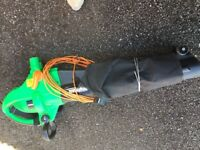 Leaf blower/sucker working condition. No longer required. Great for tidying up garden leaves.
