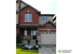 $389,000 - Townhouse for sale in Beamsville