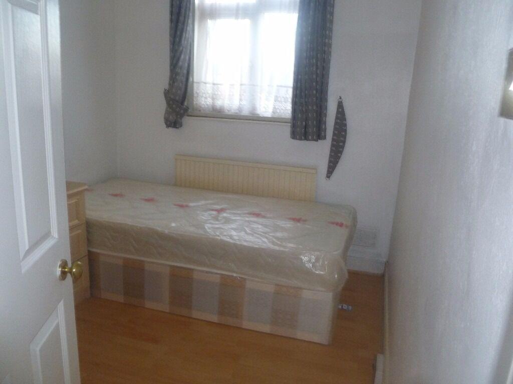 single room in hounslow west, £90 per week