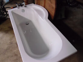 PURA ARCO LEFT HAND BATH AND PANELS AND SCREEN BRAND NEW