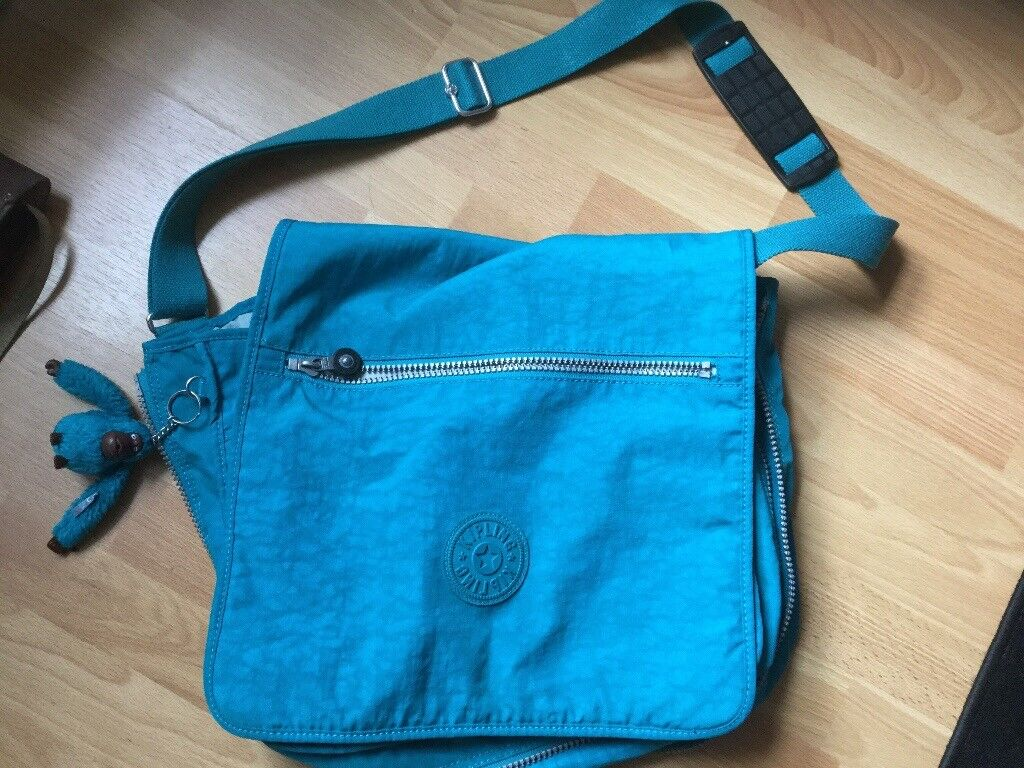 KIPPLING MADHOUSE large bag. Only used once or twice. IMAGINE. With matching monkey 🐒.