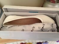 Lovely, brand new in box wedding shoes