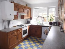 DOUBLE IN FRIENDLY INTERNATIONAL HOUSESHARE IN WEST NORWOOD