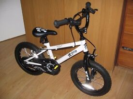 CHILDS BIKE , HANDLE BARS, PUMP AND LOCK