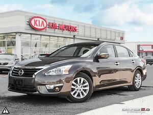 2013 Nissan Altima S Low Km! Lots of factory warranty remaining!