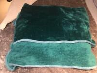 TURQUOISE BLUE GREEN LARGE FLUFFY THROW BLANKET