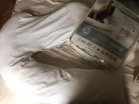 Dream Geni pregnancy pillow