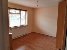 All inclusive. Large Double Room, Hounslow West (near Heathrow) £600pcm