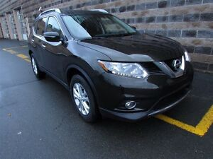 2015 Nissan Rogue SV/SUNROOF/BACK UP CAMERA