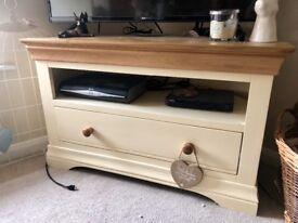 Solid oak corner TV unit, only 6mnths Old