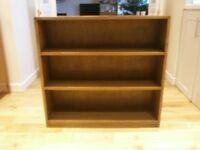 Vintage oak bookcase/bookshelf/storage - good condition