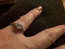 White gold ring 9k