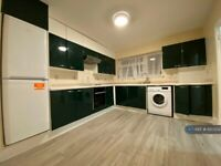 3 bedroom house in Woodlands Drive, Stanmore, HA7 (3 bed) (#1207232)