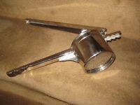 Stainless Steel Vegetable Masher/Mincer
