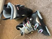 Salomon auto fit ski boots