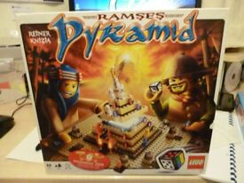 lego pyramid build and play game in fantastic condition