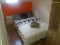** Double Room To Let in Christchurch - Airport - Lymington - Ringwood - New Milton **