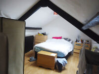 *NO AGENCY FEES TO TENANTS* Furnished, one bedroom flat available in Newport in October.