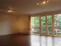 Huge! 2 bedroom flat (Modern, Unfurnished, Office/ study area) approx 1500sq/ft.