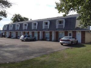 GREAT 1 BED 1 BATH TOWNHOMES AVAIL IMMEDIATELY