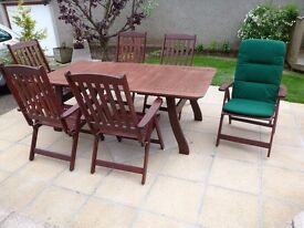 Patio set (6seater) with extending table complete with chairs and cushions