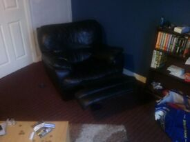 black leather lazyboy chair