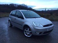 Ford Fiesta Zetec 1.4 Petrol (2004) 5 door, Reverse Parking Sensors, Hands-free Calling