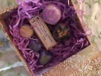 Gold bathbomb gift moisturiser drops sheabutter coconut soap artizan cherry lavender Mother's Day