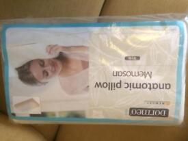 Dormeo Anatomical Memory Foam Pillow