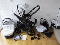 white / black Venicci pram travel system 3 in 1 ***can post***