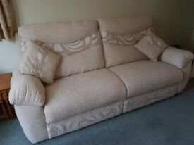 3 SEATER SOFA AND CHAIR IN VERY GOOD CONDITION.