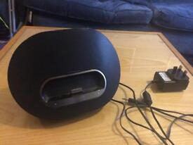 Philips DS3110/05 iPod docking station / speakers VGC
