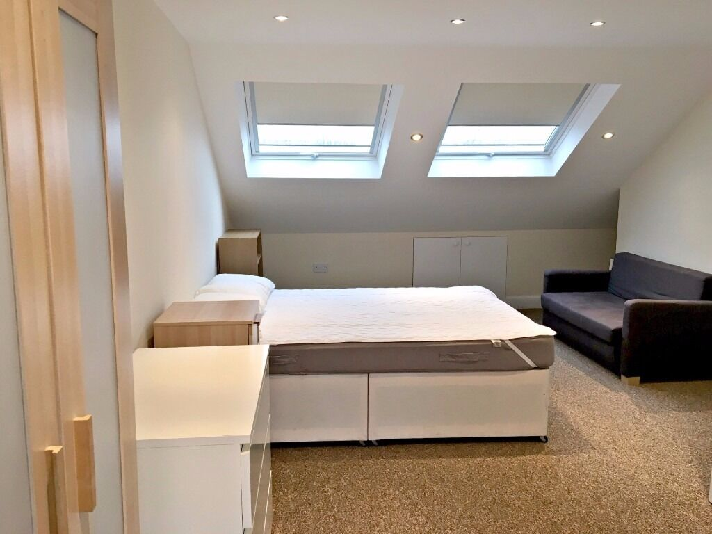 A newly redecorated four double bedroom house on popular Crabtree Estates