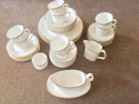 ROYAL DOULTON VINTAGE 52 piece 8 place BONE CHINA DINNER SERVICE GOLD CONCORD H5049 V G COND