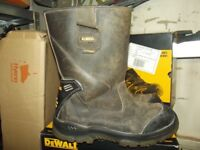 USED WORKWEAR-SAFETY BOOTS AND CLOTHING-DEWALT-SITE-HYENA-WORKWEAR CLEARANCE