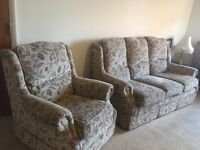 3 seater sofa + 2 arm chairs (recliner)