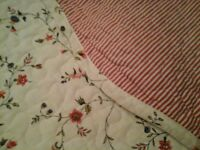 Shabby chic double quilted bedspread vgc