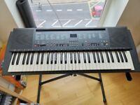 Yamaha PSR 200 keyboard with Stand