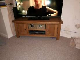 Oak tv cabinet/stand 120cm wide