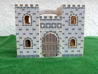 Brand New Fold and Go Wooden Castle with Royal Occuppants