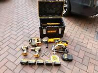 Dewalt 18v brushless kit .excellent condition