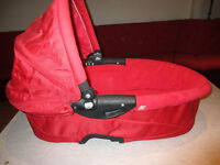 Quinny carrycot with mattress